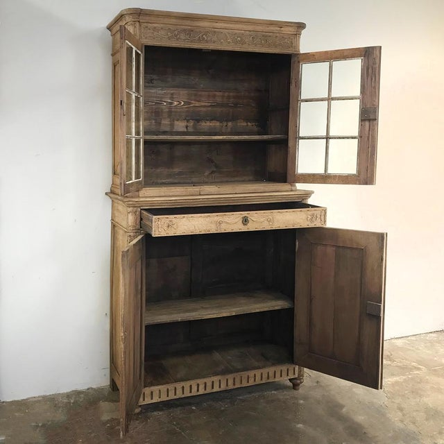 19th Century Country French Stripped Louis XVI Vitrine - Cabinet For Sale - Image 4 of 13