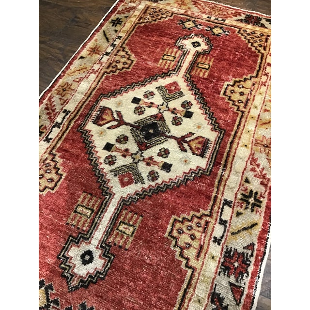 Turkish Late 20th Century Vintage Turkish Rug- 2′8″ × 4′9″ For Sale - Image 3 of 8