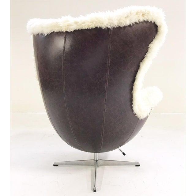 Mid 20th Century Arne Jacobsen for Fritz Hansen Egg Chair Restored in Brazilian Sheepskin and Leather For Sale - Image 5 of 10