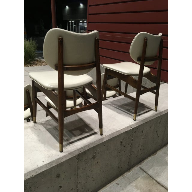 Mid-Century Modern Thonet Style Walnut and Vinyl Dining Chairs by Shelby Williams - Set of 5 For Sale In Denver - Image 6 of 13
