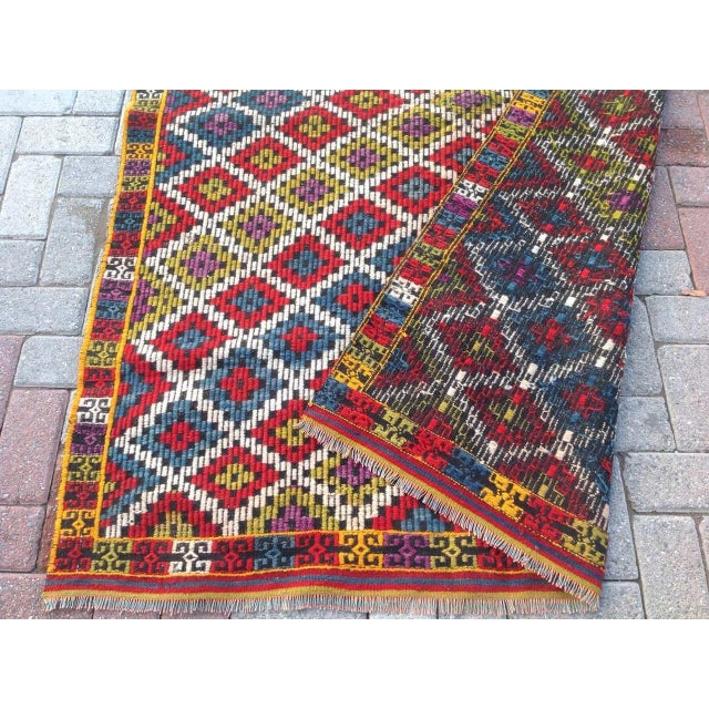 Vintage Turkish Kilim Rug - 4′6″ × 6′5″ For Sale In Raleigh - Image 6 of 6