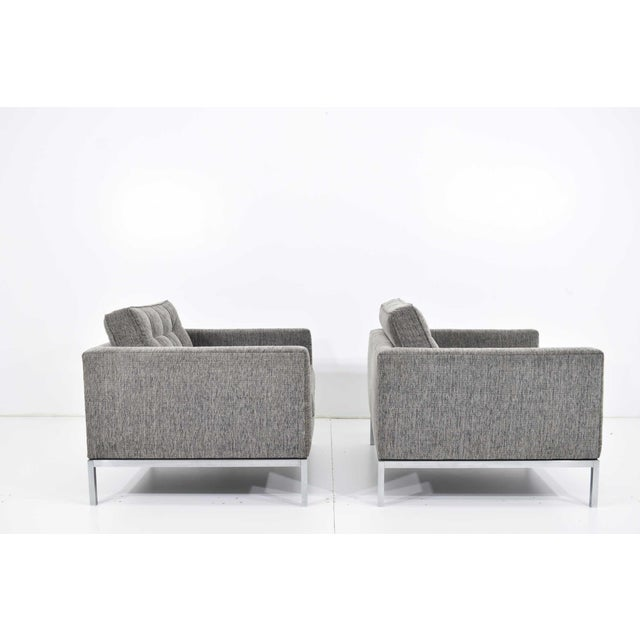 A newly upholstered pair of Florence Knoll 1960s chairs. Fabric is an indoor / outdoor by Mokum from Holly Hunt that is...