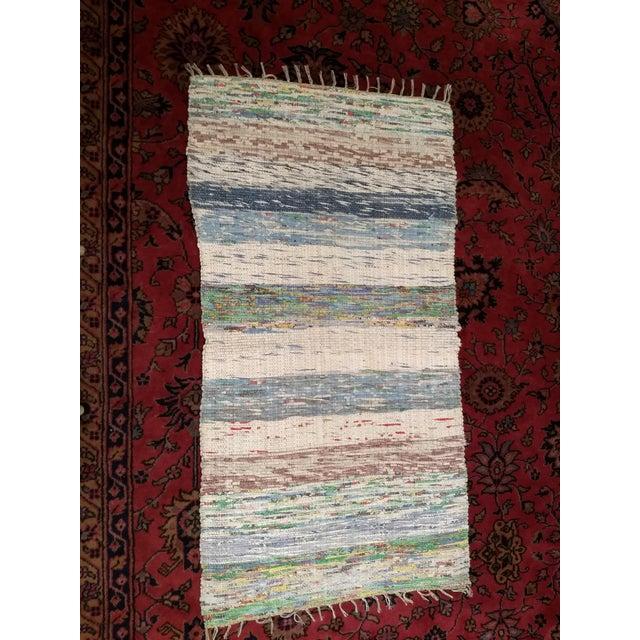 Almond 1950s Vintage Turkish Flat-Weave Kilim Rug - 2′6″ × 4′8″ For Sale - Image 8 of 9
