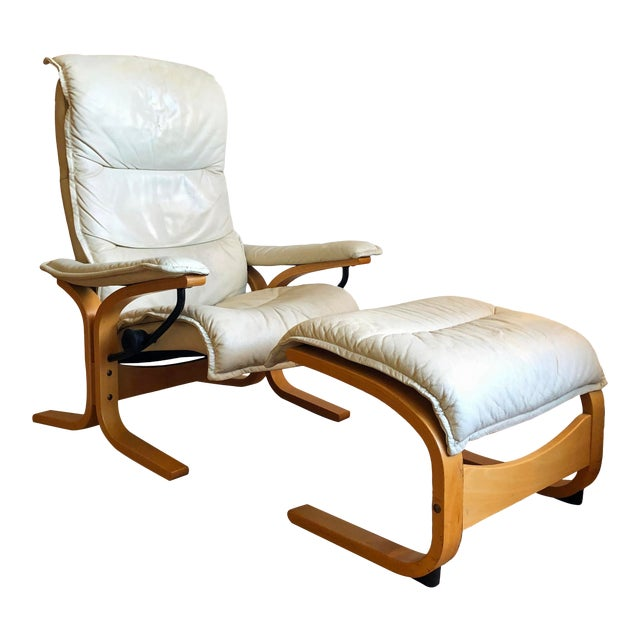 Ingmar Relling for Ekornes Vintage Leather Siesta Recliner Chair With Ottoman For Sale