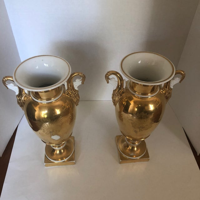 Set of Two 19th Century French Old Paris Porcelain Vases For Sale - Image 4 of 12