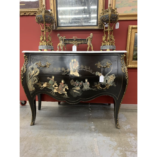 Louis XV Style Gilt Bronze Mounted Chinoiserie Japanese Decorated Commode For Sale - Image 4 of 8