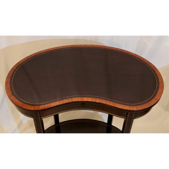 Late 19th Century Antique English Mahogany Kidney-Shaped Table, Circa 1880. For Sale - Image 5 of 6