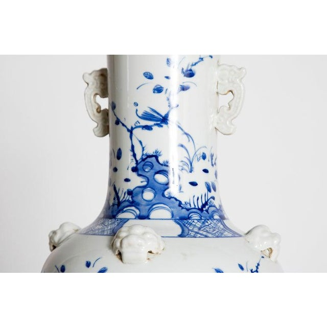 19th Century Chinese Blue and White Qing Period Vase With Foo Dog Heads For Sale - Image 10 of 13