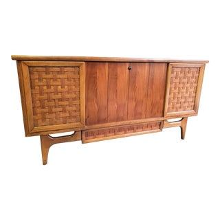 Mid-Century Vintage Lane Perception Blanket Cedar Storage Chest For Sale
