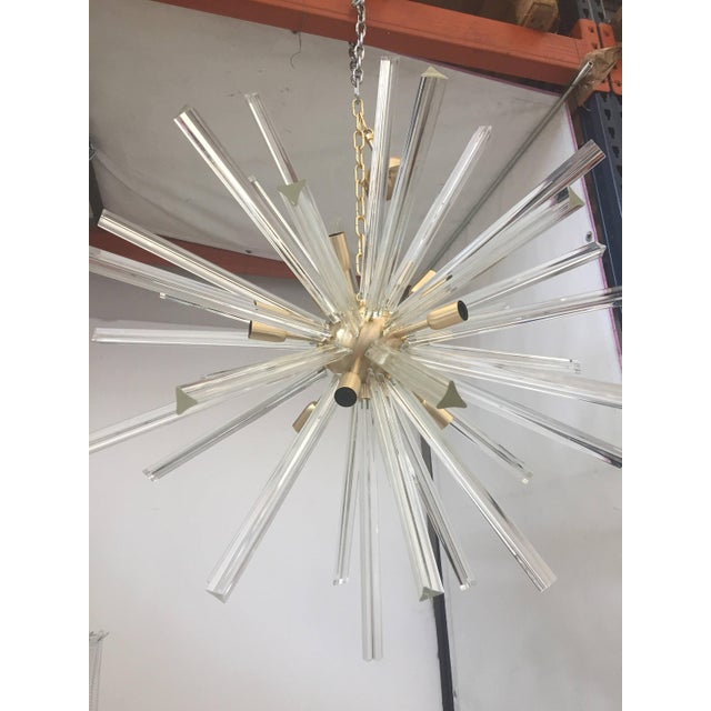 Early 21st Century Chandelier Transparent Clear Murano Glass Triedo Sputnik Chandelier with a Gold Frame For Sale - Image 5 of 5