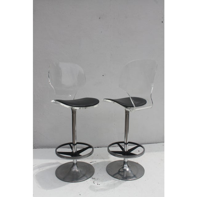 Vintage Lucite & Tulip Base Swivel Bar Stools - A Pair - Image 9 of 9