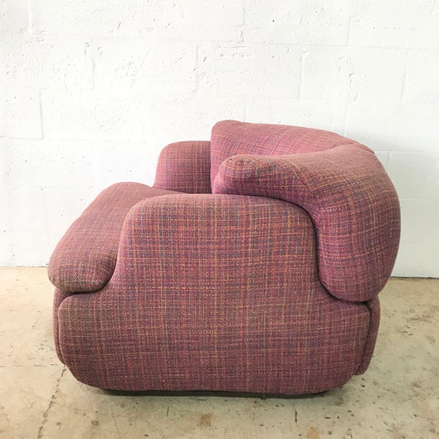 "Pair of Pink Tweed ""Confidential"" Chairs by Alberto Rosselli for Saporiti Italia For Sale In Miami - Image 6 of 8"