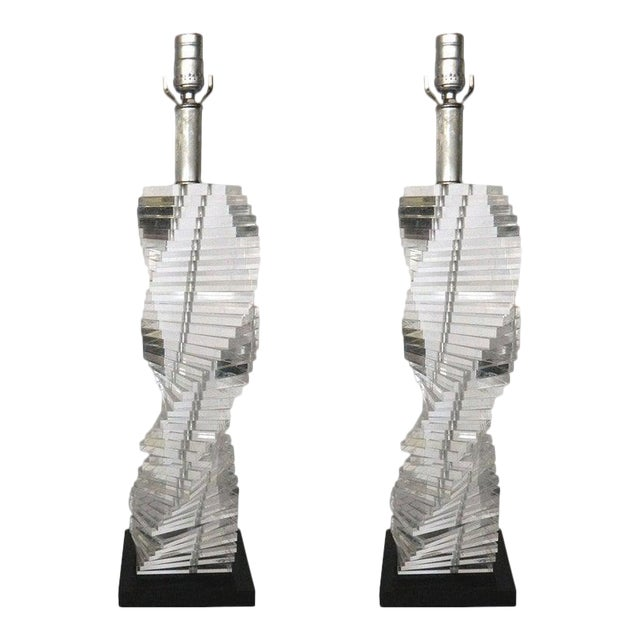 Mid-Century Modern Stacked Clear Lucite Lamps Spiral Staircase Design - a Pair For Sale