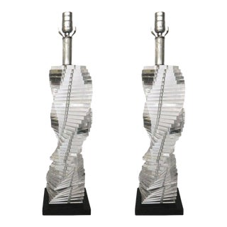 Pair of Mid-Century Modern Stacked Clear Lucite Lamps Spiral Staircase Design For Sale