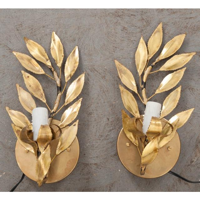 "French Vintage Gilt-Brass Single-Arm ""Laurel Leaf"" Sconces - a Pair For Sale In Baton Rouge - Image 6 of 9"