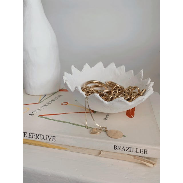 The Haze zig-zag detail white plaster storage tray/bowl in our raw, organic finish is an awesome way to display your...