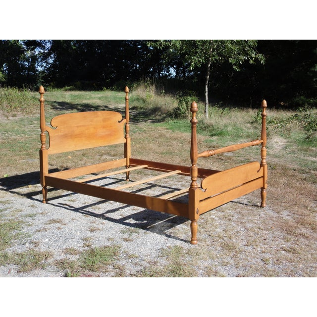 American Vintage Ethan Allen Baumritter Early American Maple Full Double Poster Bed For Sale - Image 3 of 12