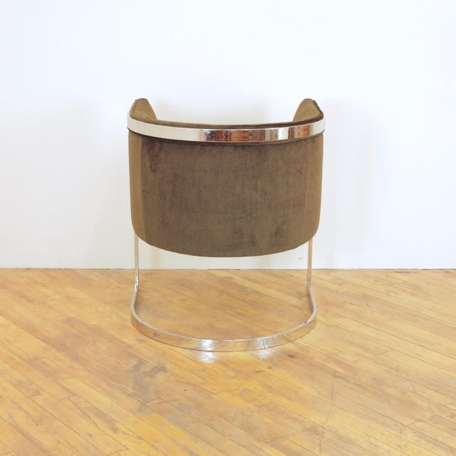 Olive 1970s Vintage Metropolitan Barrel Lounge Chairs - a Pair For Sale - Image 8 of 11