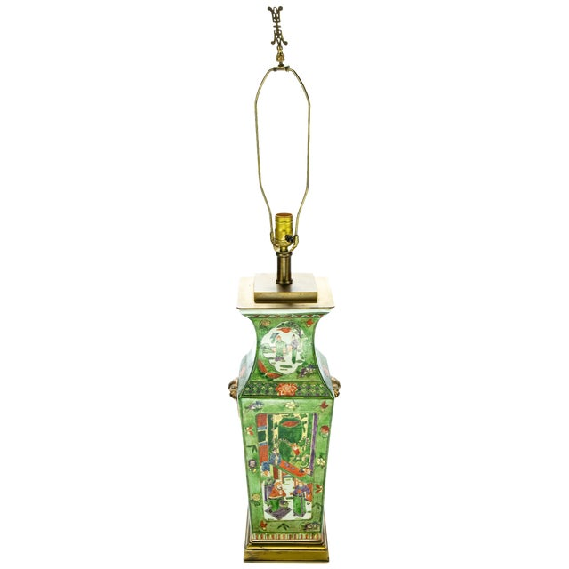 Vintage Chinese Rose Medallion Hand Painted Table Lamp For Sale