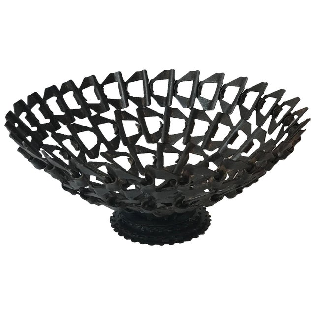 1940s Mid-Century Decorative Bowl Made From Repurposed Iron Conveyor Belt For Sale - Image 5 of 5