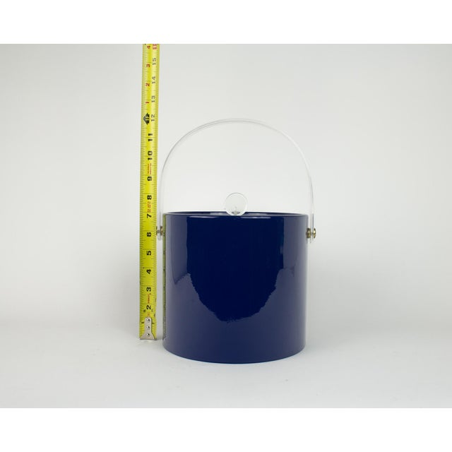 Mid Century Navy Blue and Lucite Ice Bucket - Image 9 of 10