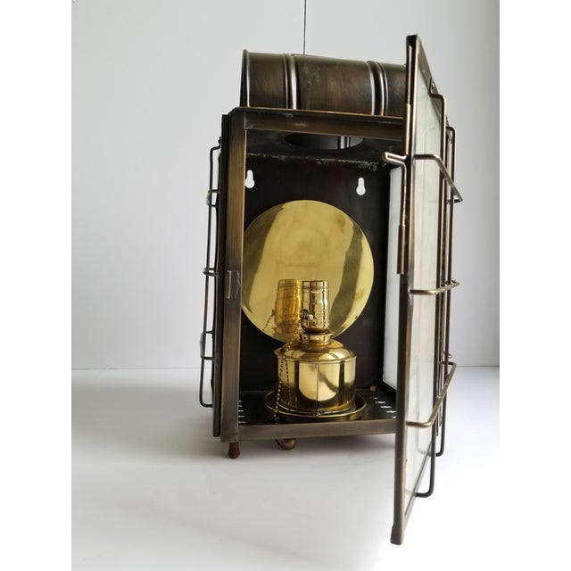 American Colonial Style Brass Lantern Lamp For Sale In New York - Image 6 of 12