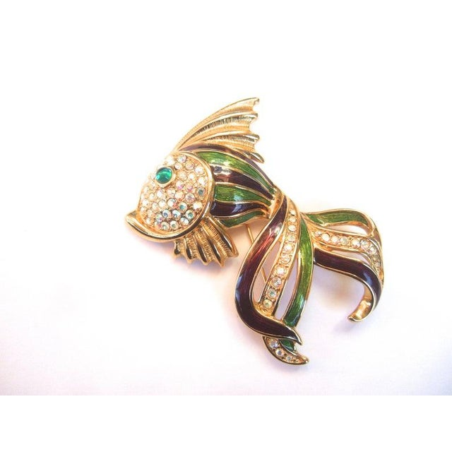 Modern Trifari Opulent Jeweled Enamel Gilt Metal Fish Brooch C 1980s For Sale - Image 3 of 7