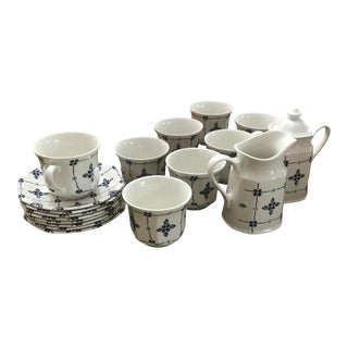 "Royal Staffordshire ""Homespun"" Ironstone by Meakin - 18 Pieces For Sale"