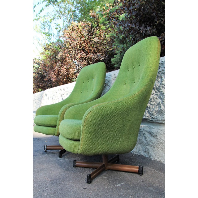 Mid-Century Modern 1950s Vintage Mid-Century Modern Viko Baumritter High Back Swivel Chairs S/2 For Sale - Image 3 of 11