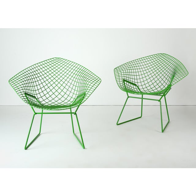 Mid-Century Modern Harry Bertoia for Knoll Powder Coated Green Diamond Chairs - a Pair For Sale - Image 3 of 6