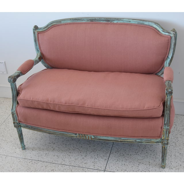 Rose Linen Upholstered Turquoise and Gold Gilt Accented Settee Loveseat For Sale - Image 4 of 13