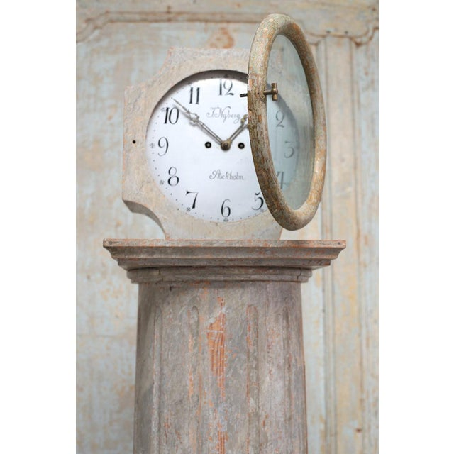18th Century 18th Century Swedish Neoclassical Working Long Case Clock in Original Paint For Sale - Image 5 of 8