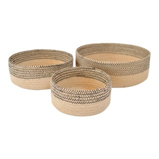 Black Band Nesting Baskets - Set of 3 For Sale
