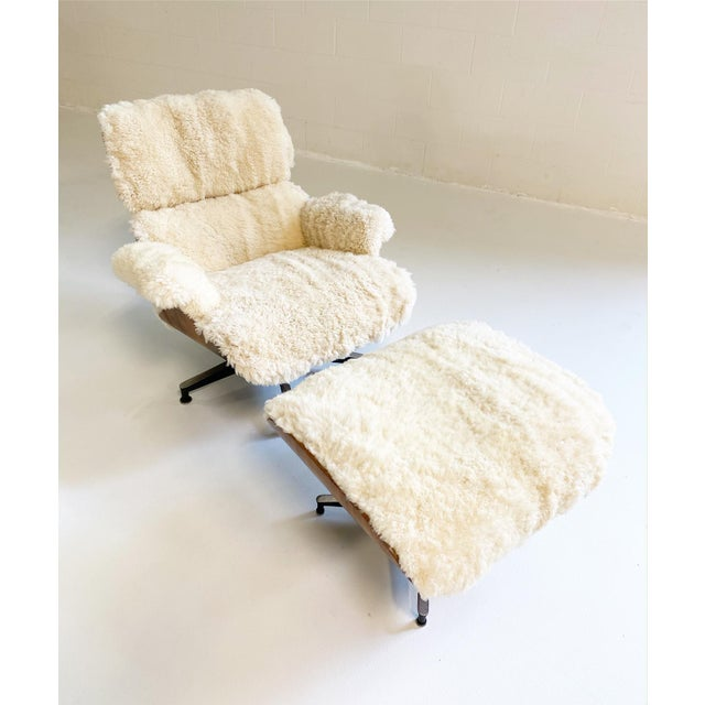 Charles and Ray Eames 670 Lounge Chair and 671 Ottoman in California Sheepskin For Sale - Image 10 of 13