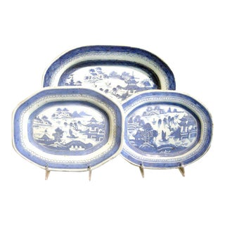 Collection of Three Chinese Export Canton Platters For Sale