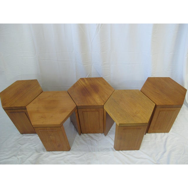1980s McGuire San Francisco Hexagon Side Tables - Set of 5 For Sale - Image 5 of 10