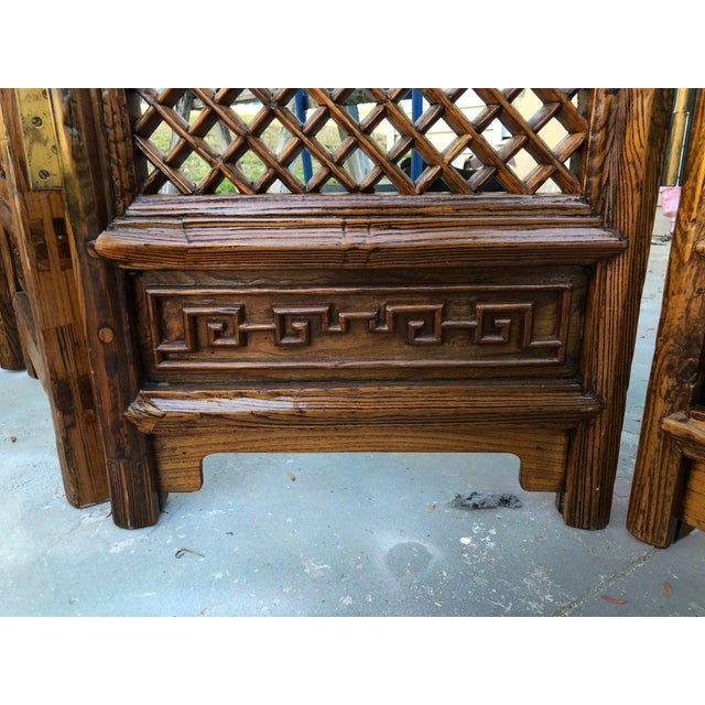 Late 18th Century Antique Late 18th Century Four Panel Chinese Standing Screen/Room Divider For Sale - Image 5 of 7