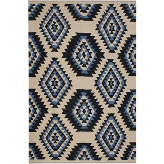 Boho Chic Kilim Sage Ivory/Black Hand-Woven Wool Rug - 8'1 X 9'8 For Sale