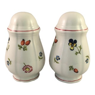 Villeroy & Boch Petite Fleur Single Hole Salt & Pepper Shaker Set For Sale