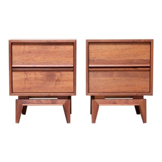 Mid-Century Modern Walnut Nightstands- A Pair For Sale