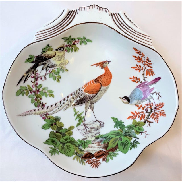 This is a vintage Mottahedeh large Chelsea Bird bowl. This beautiful hand painted bowl features a Chelsea Bird decorated...