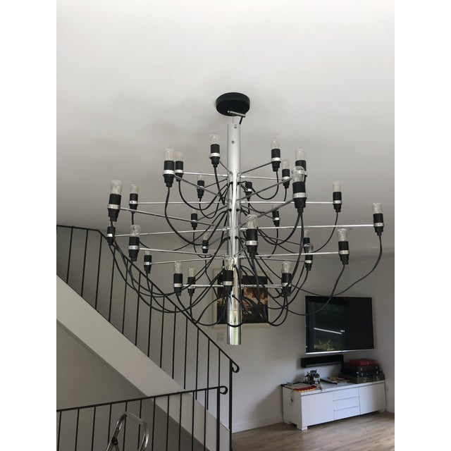 Metal Flos 2097 Modern Mid Century Chandelier by Sarfatti Chrome 30 Mint Condition For Sale - Image 7 of 7