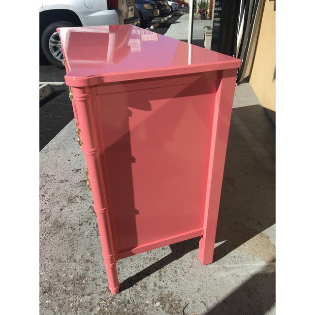 1970s Hollywood Regency Lacquered Pink Faux Bamboo 6 Drawer Lowboy Dresser For Sale - Image 5 of 12