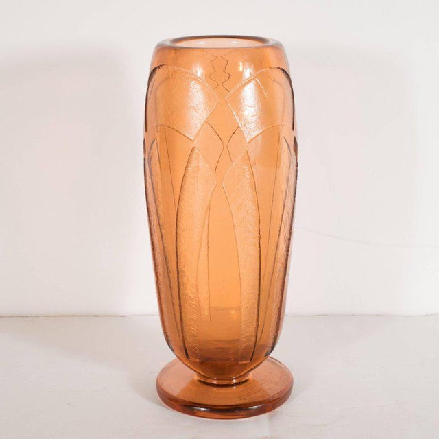 Art Deco Vase in Translucent Cognac with Cubist Geometric Patterns For Sale - Image 4 of 9
