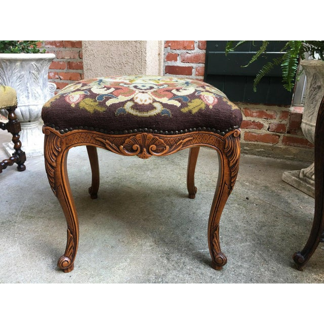1900 - 1909 1900s Antique French Carved Oak Stool/Bench For Sale - Image 5 of 10