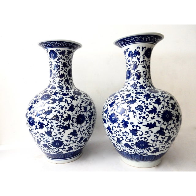 Blue & White Onion-Shape Vases - A Pair For Sale - Image 5 of 5
