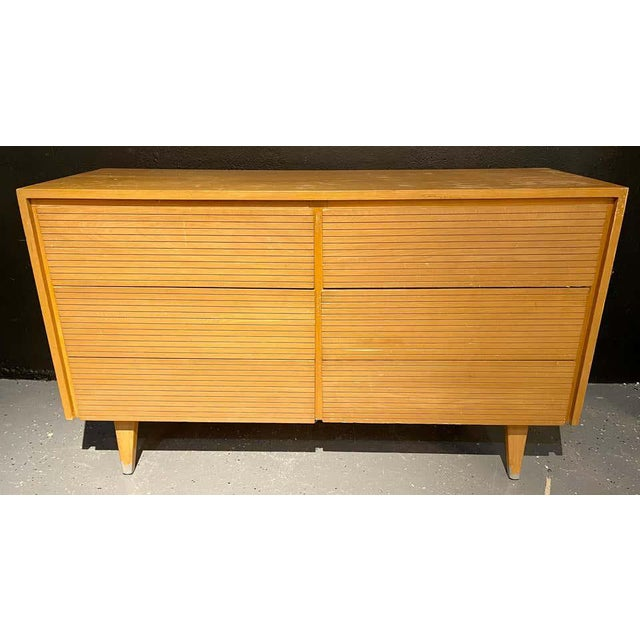 Mid-Century Modern Six-Drawer Mid-Century Modern Commodes, Chests or Dresser - a Pair For Sale - Image 3 of 13