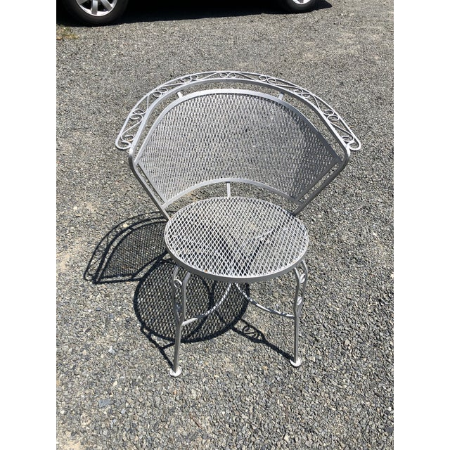 Woodard Furniture Co. Mid Century Modern Woodard Round Outdoor Dining Set For Sale - Image 4 of 12