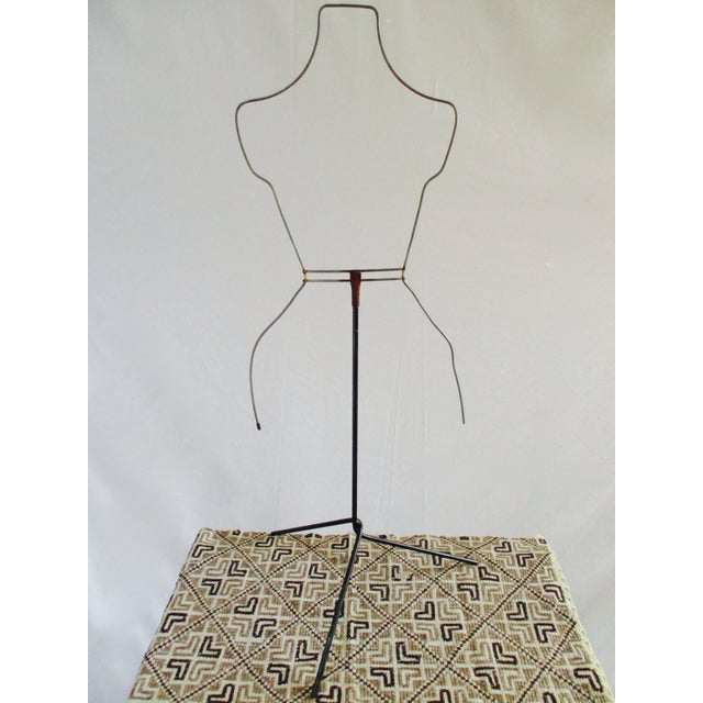 Modernist Abstract Industrial Wire Mannequin Form on Stand For Sale - Image 10 of 11