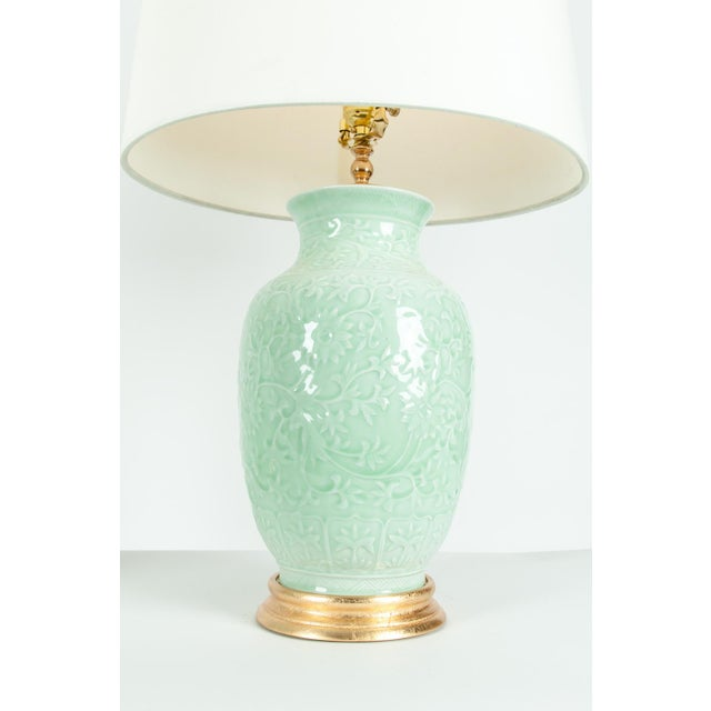 Mid-Century Porcelain on Gold Leaf Base Table Lamps - a Pair For Sale In New York - Image 6 of 10